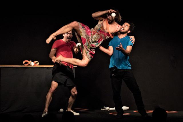 Piti Peta Hofen show compagnia LPM Con Andres Torres Diaz, Johannes Bauhofer, Lucas Castelo Branco  Giovedì 3 maggio 2018_Teatro Franco Parenti_nell'ambito del Festival Tendenza Clown